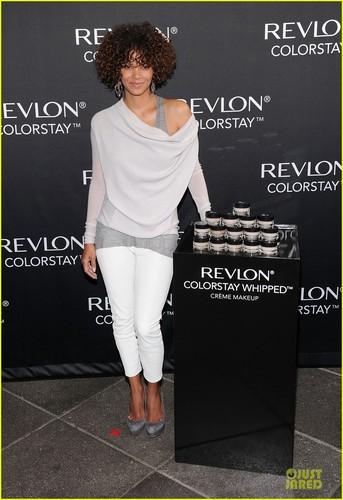 Halle Berry: Revlon ColorStay Launch!