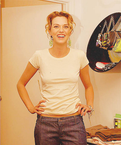 Hilarie Burton wallpaper entitled Hilarie♡