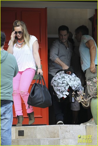 Hilary Duff: Saturday Outing with Mike Comrie &amp; Luca - hilary-duff Photo