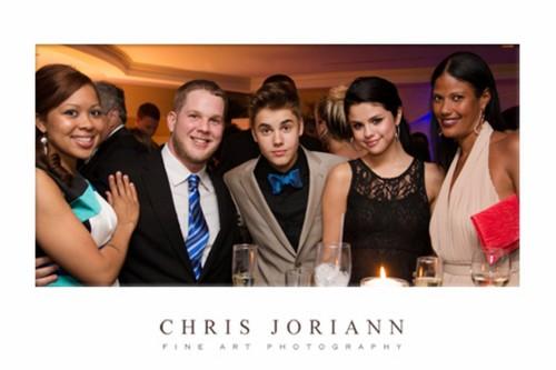 JB & selena at party
