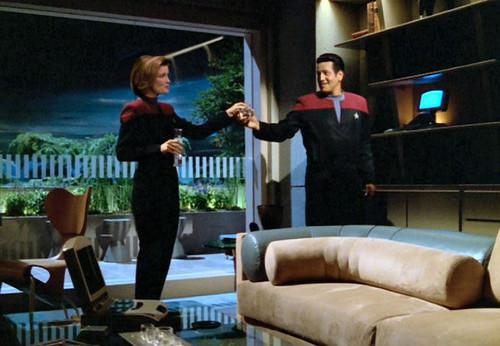 Janeway and Chakotay - Manips
