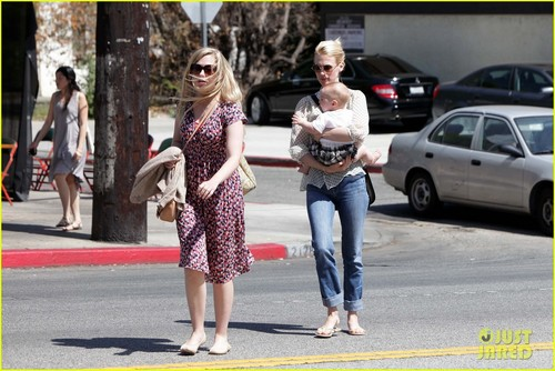 January Jones: Little Dom&#39;s Lunch with Xander! - january-jones Photo