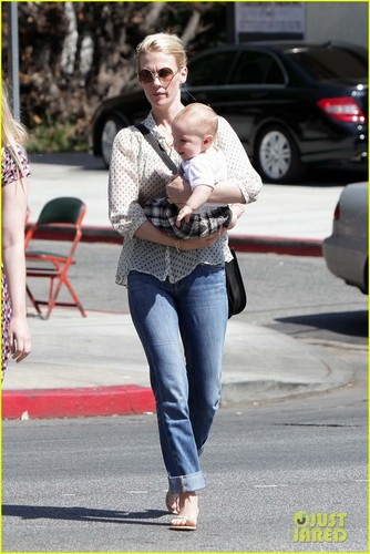 January Jones wallpaper with a street and a carriageway called January Jones: Little Dom's Lunch with Xander!