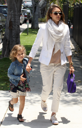 Jessica - Taking Honor to school in Santa Monica - May 24, 2012 - jessica-alba Photo