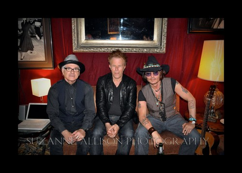 Johnny Depp at a concert by Bill Carter, Mint Club, May 25 - johnny-depp Photo