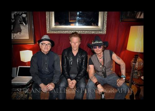 Johnny Depp at a کنسرٹ سے طرف کی Bill Carter, Mint Club, May 25