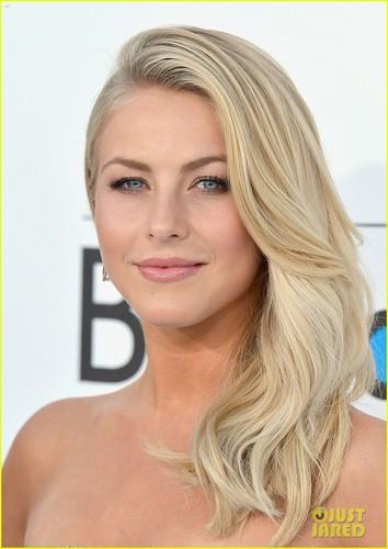 Julianne Hough - Billboard Awards 2012