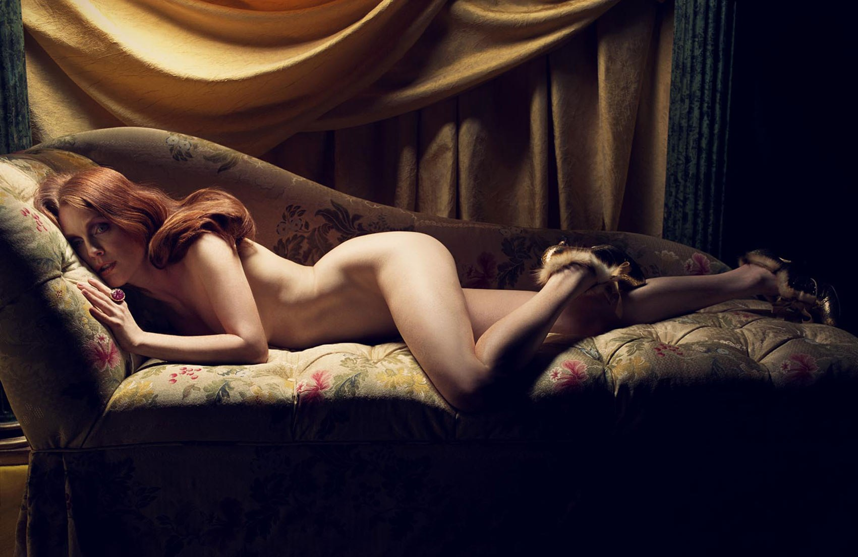 julianne moore naked