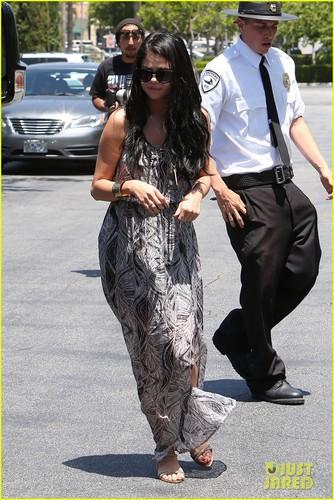 Justin Bieber & Selena Gomez: Movie Date!