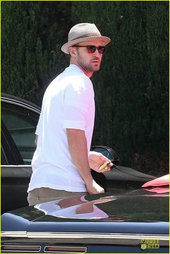 Justin Timberlake Recording muziki for Jessica Biel's New Film