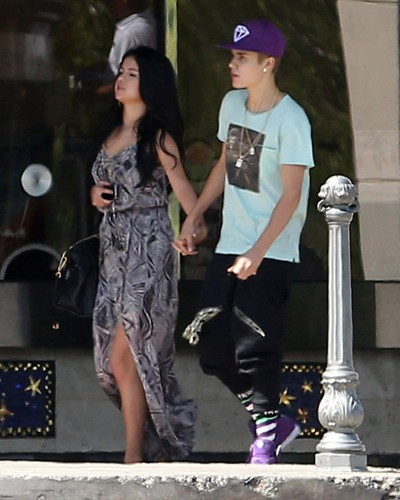 Justin with Selena today