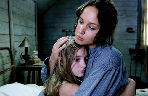 Katniss and Primrose Everdeen - the-hunger-games Photo