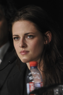 Kristen at the 65th Cannes Film Festival {'On the Road' Press conference} - kristen-stewart Photo
