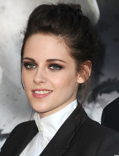 """Kristen at the """"Snow White and the Huntsman"""" screening in LA."""