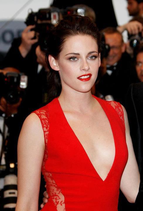 Kristen on the Cannes Cosmopolis Premier