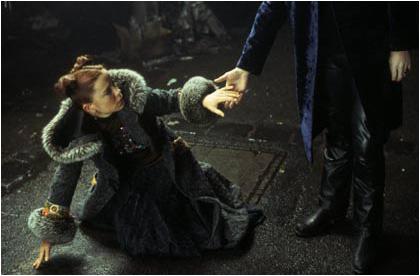 Lestat helps Jesse up
