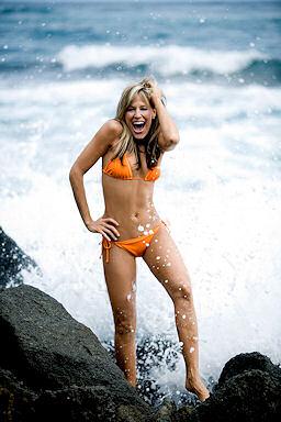 Lilian Garcia پیپر وال with a bikini called Lilian Garcia Photoshoot Flashback
