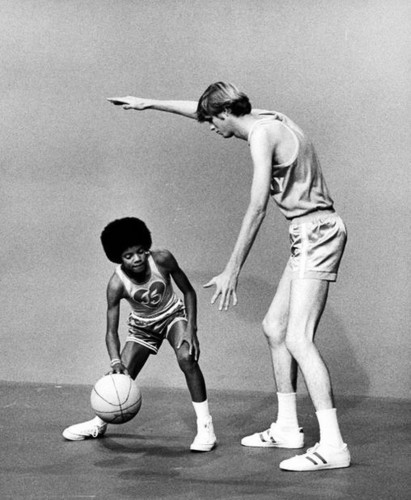 Little Jackson playing basketbol ♥ (RARE)