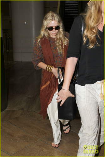 Mary-Kate Olsen - At LAX Airport, May 16, 2012
