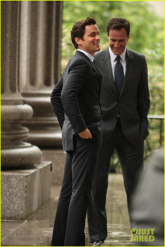 Matt Bomer fond d'écran with a business suit, a suit, and a three piece suit titled Matt Bomer: 'White Collar' Boogie