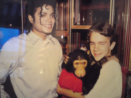 Michael Jackson and Bubbles Jackson ♥