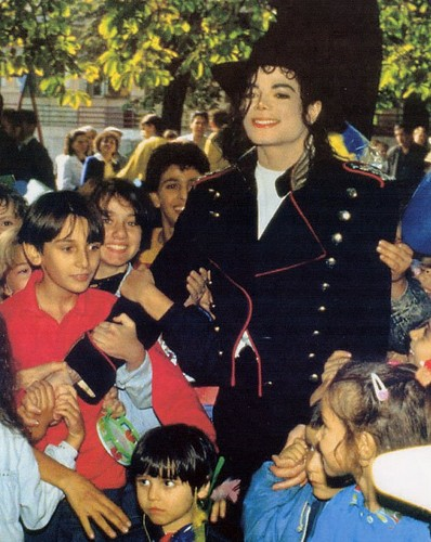 Michael Jackson with fans