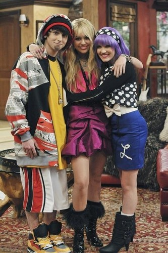 Mike,Hannah,Lola