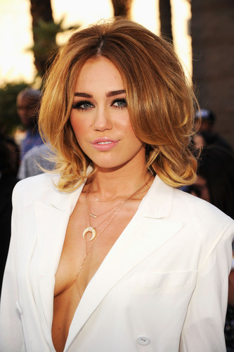 Miley Cyrus At The BillBoard música Awards 2012