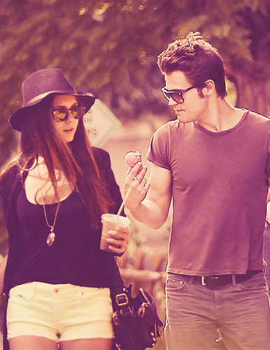 Paul Wesley and Nina Dobrev wallpaper possibly containing a fedora and a boater entitled Paul/Nina Manip