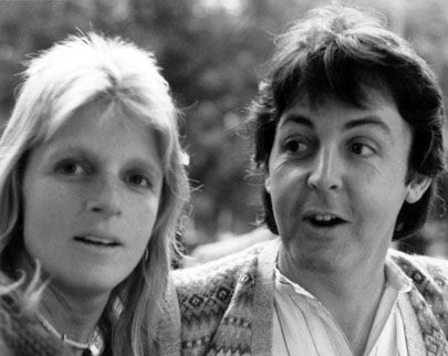 Paul McCartney wallpaper possibly containing a portrait titled Paul and Linda