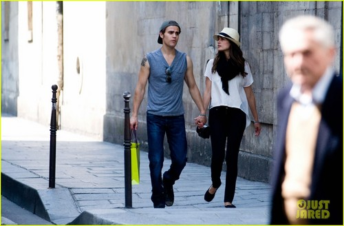 Paul and Torrey shopping in Paris (May 24th, 2012)