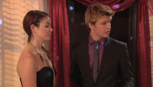 The House of Anubis wallpaper containing a business suit titled Peddie