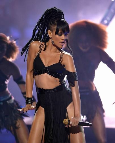 Performing On American Idol Season 11 Grand Finale tunjuk [23 May 2012]