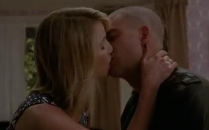 Quinn and Puck 3x22 Kiss