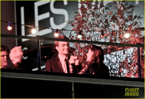 Robert Pattinson & Kristen Stewart Kiss at Cannes Film Festival - kristen-stewart Photo