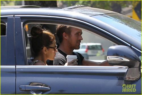 Ryan ゴスリング & Eva Mendes: スターバックス Couple