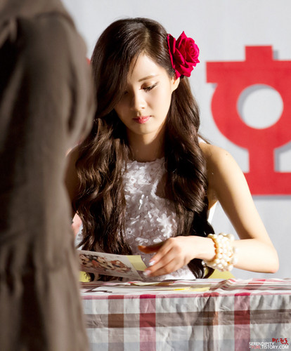 Seohyun@ Twinkle Fansigning Event
