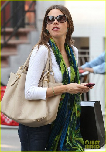 Sofia Vergara: New York Shopper