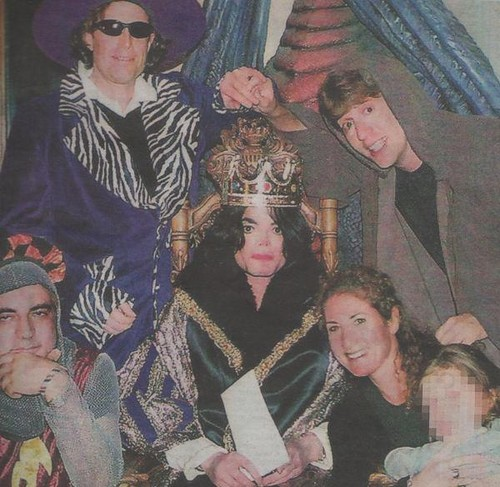 THE KING MICHAEL JACKSON and Paris on far right front