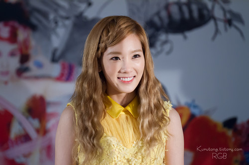 "Taeyeon @ ""Twinkle"" Fansign"