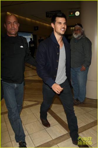 Taylor - At LAX Airport in Los Angeles, February 01, 2012