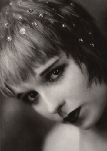 The Canary - louise-brooks Photo