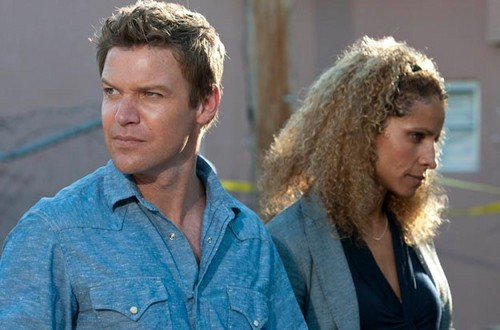 The Glades (2x01) Family Matters