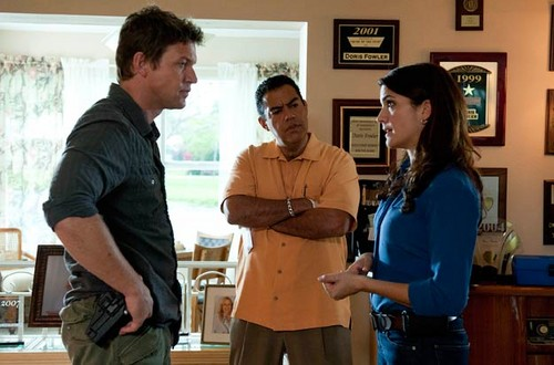 The Glades (2x02) Old Ghosts - the-glades Photo