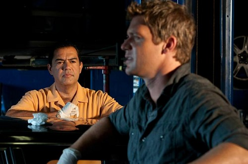 The Glades (2x02) Old Ghosts