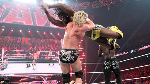 डब्ल्यू डब्ल्यू ई Raw Truth and Kofi vs Swag and Zig