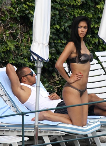 Wearing A Bikini In Italy [29 May 2012]