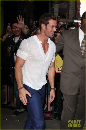 William Levy: 'Thank Ты For Your Love!'