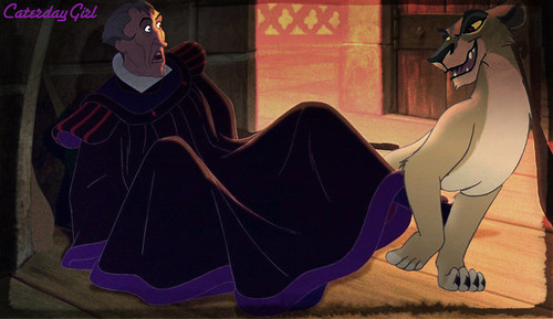 Disney crossover karatasi la kupamba ukuta called Zira and Frollo