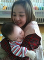 dara with baby - 2ne1 photo